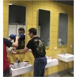 Изображение Монтаж зеркал с подсветкой в спортивном комплексе 12.15.12 - изображение 1