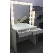 Изображение Зеркало с подсветкой и столом для визажистов 02.7.70